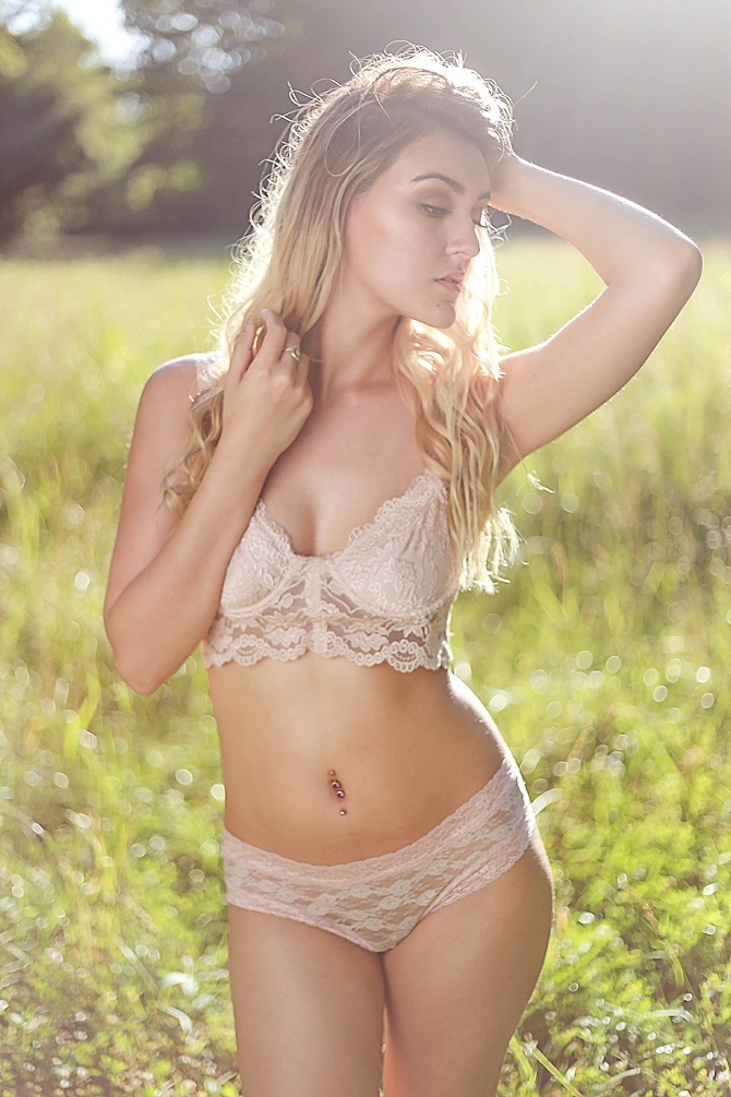 Bohemian Beauty Boudoir by Simply You Boudoir // Featured on Boudoir Collective