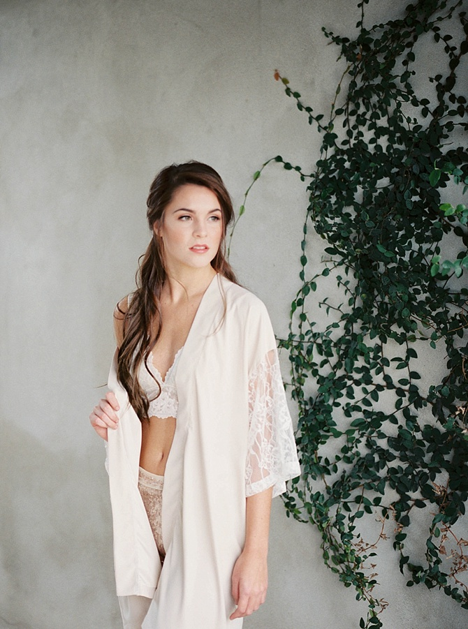 Boudoir At Melange Workshop by 1778 Photographie // Featured on Boudoir Collective