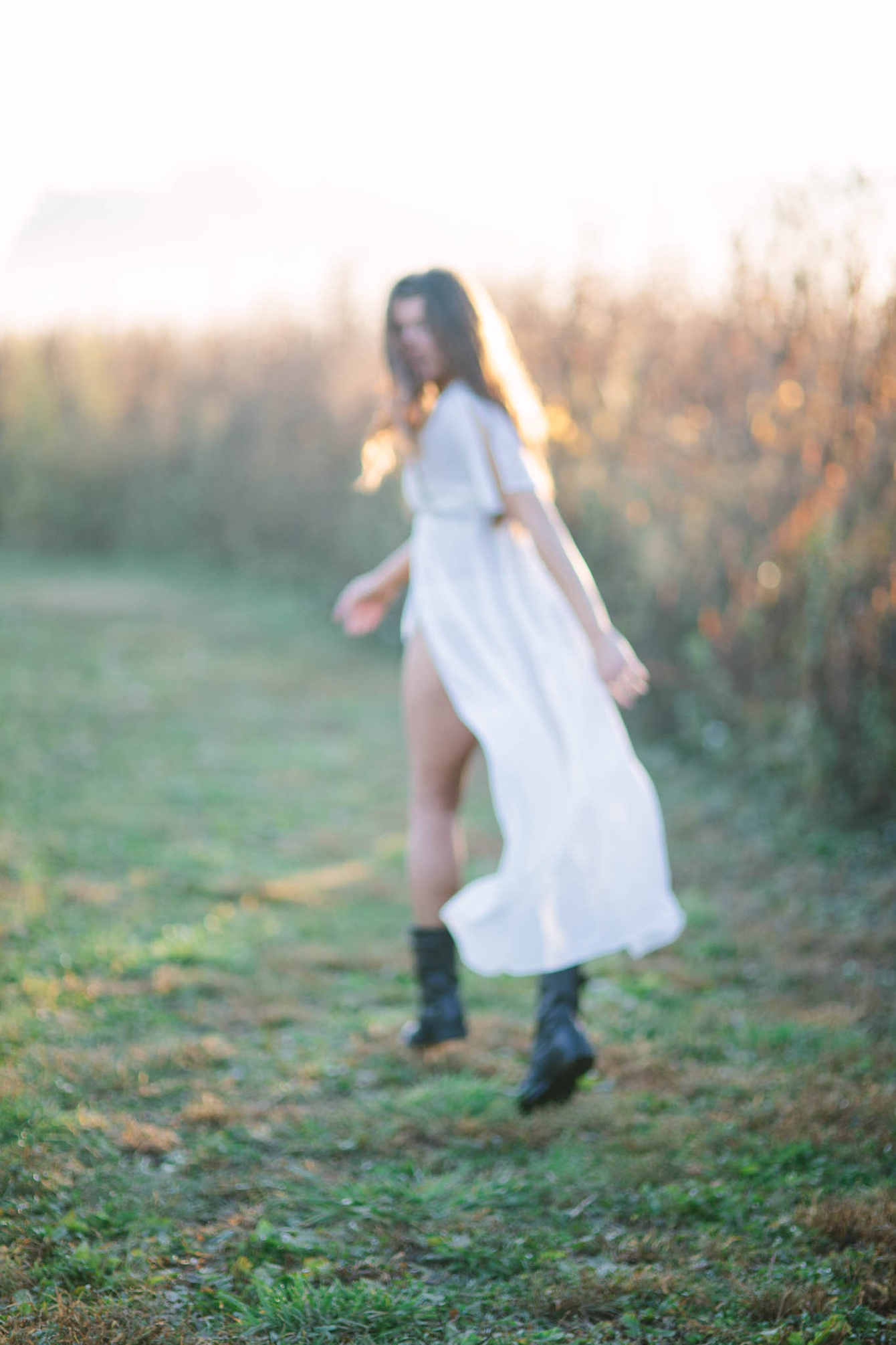Boudoir in a field by Caroline Koehler Photography on Boudoir Collective // www.boudoircollective.com