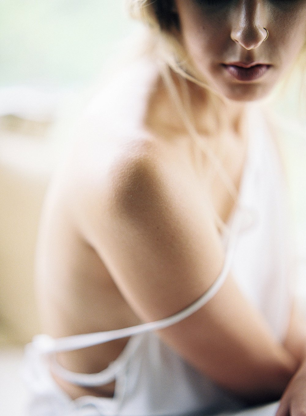 gossamer-mornings-laura-catherine-organic-boudoir-010.jpg