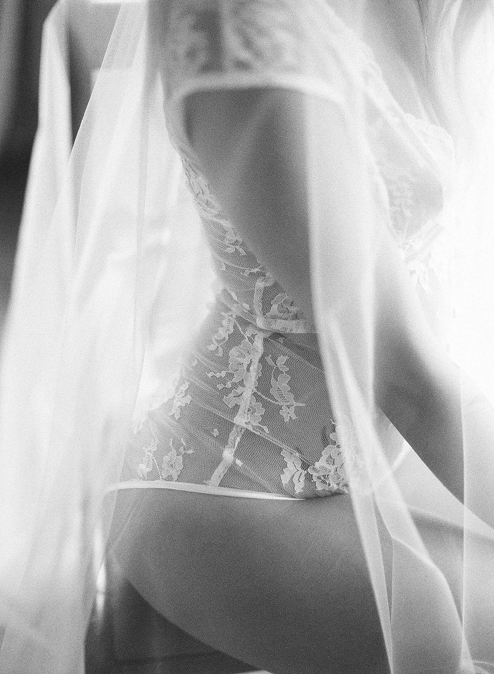 gossamer-mornings-laura-catherine-organic-boudoir-032.jpg