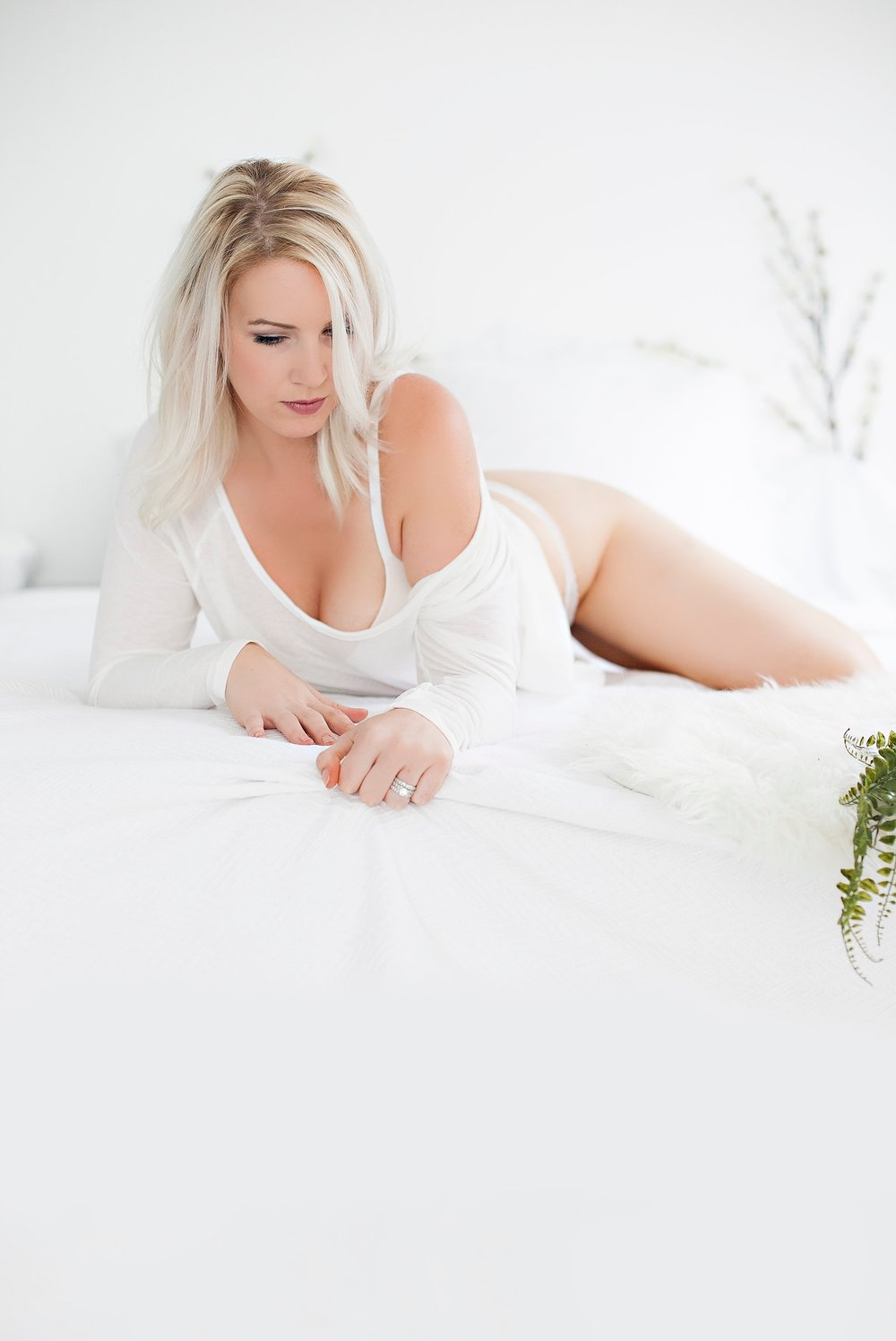 Boudoir-Collective-Fine-Art-Boudoir-Blog-and-Magazine-De-La-Vie-Botanical-Boudoir-10.jpg