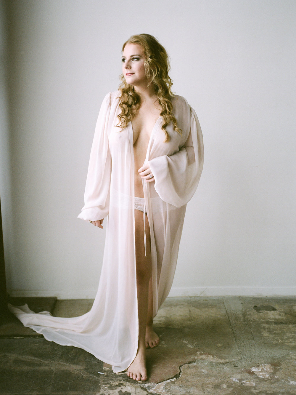 Boudoir Collective Fine Art Boudoir Blog Christine Gosch Photography Plus Size Bridal Boudoir (3).jpg