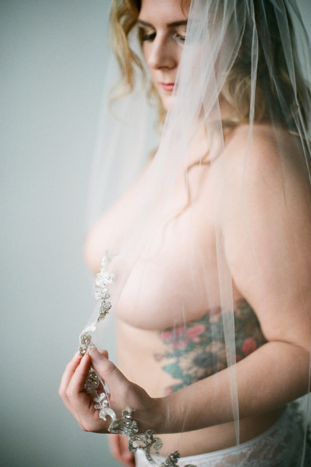 Boudoir Collective Fine Art Boudoir Blog Christine Gosch Photography Plus Size Bridal Boudoir (10).jpg