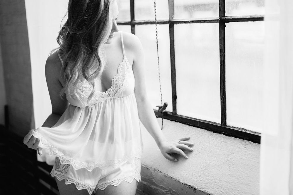 Boudoir Collective Fine Art Boudoir Blog Lora Grady Photography (11).jpg