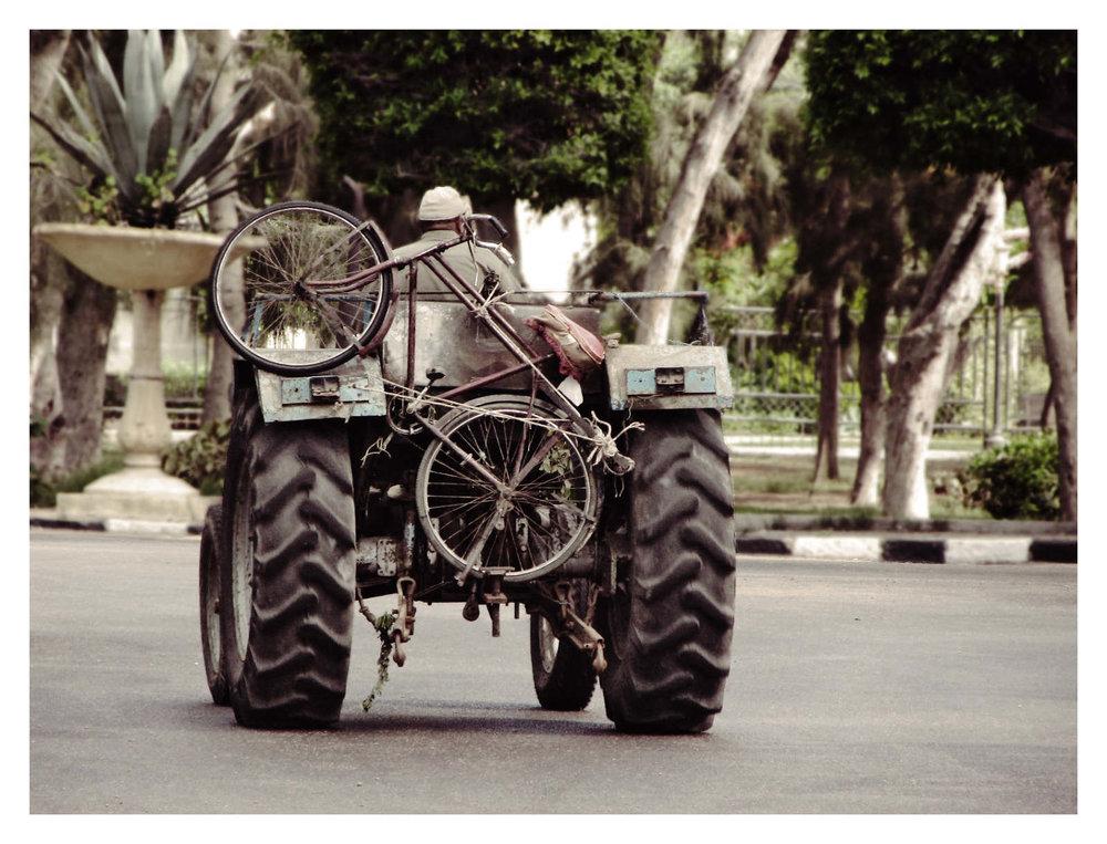 Tractor-Bike_1600_c.jpg