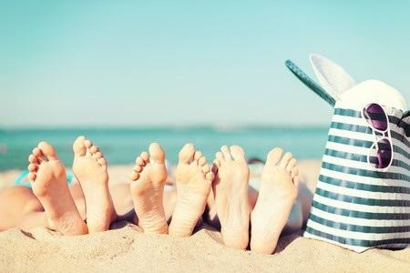 31157897_S_Feet_Beach_Sunglasses_Blue_Skies_Blue_Bag_Beach_tote.jpg