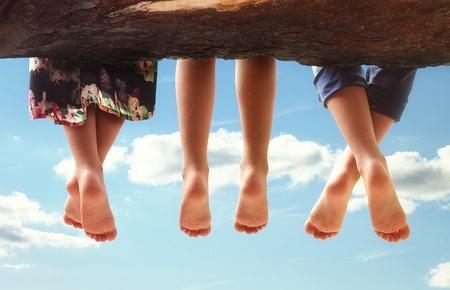 45840649_S_Feet_Warts_Clouds.jpg
