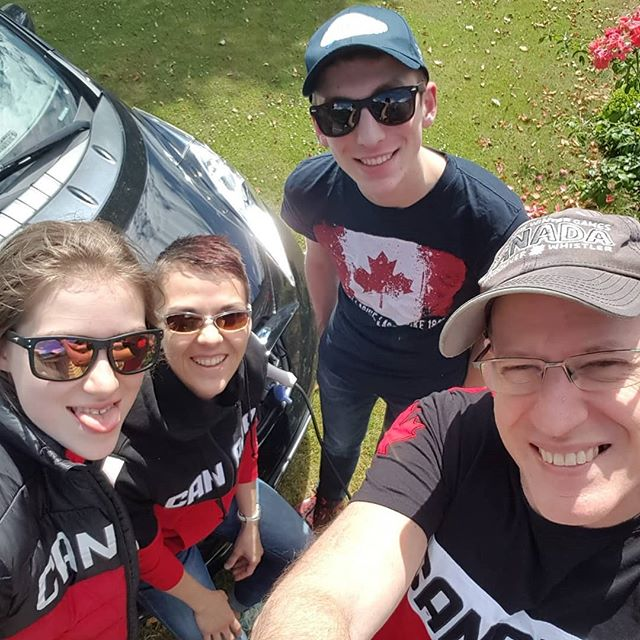 Happy Canada from the TiterLeaf Clan!