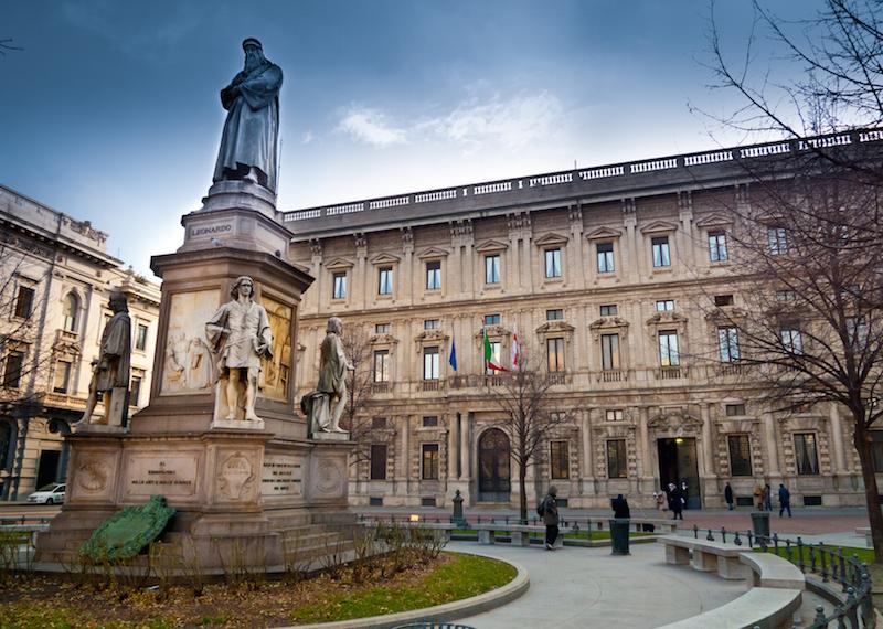 Leonardo Da Vinci in Piazza della Scala