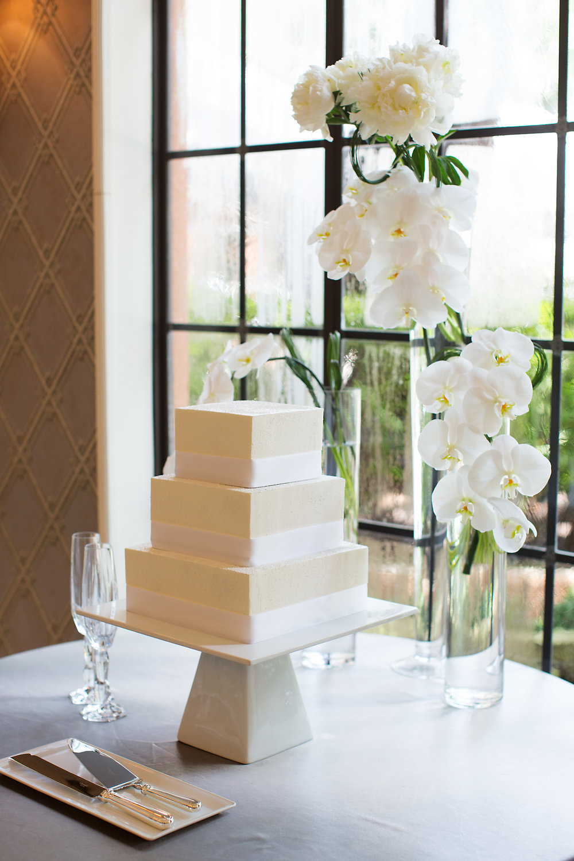 Cake Details - Dallas, Tx - Summer Wedding - Julian Leaver Events