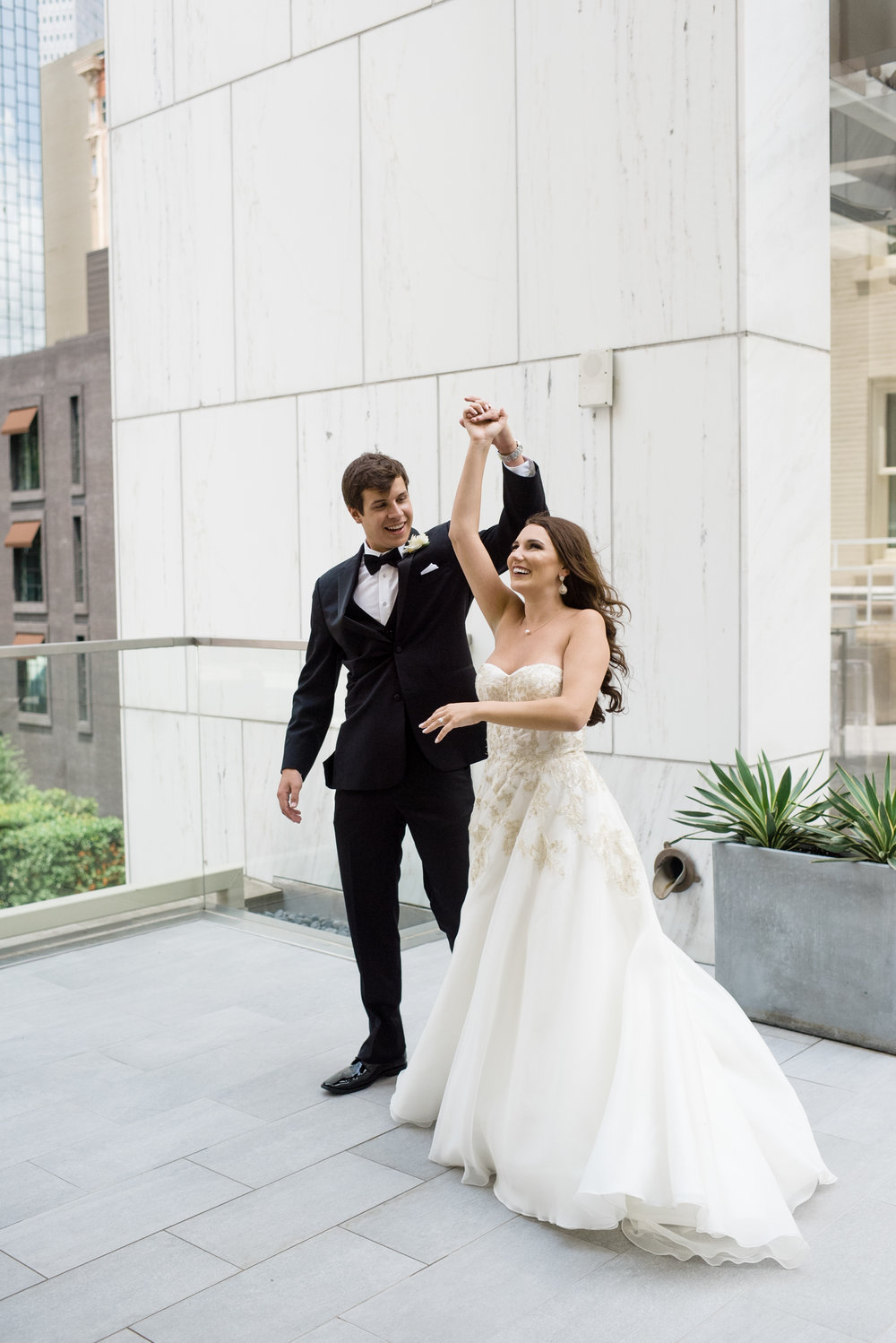 Couple Details - Dallas, Tx - Spring Wedding - Julian Leaver Events