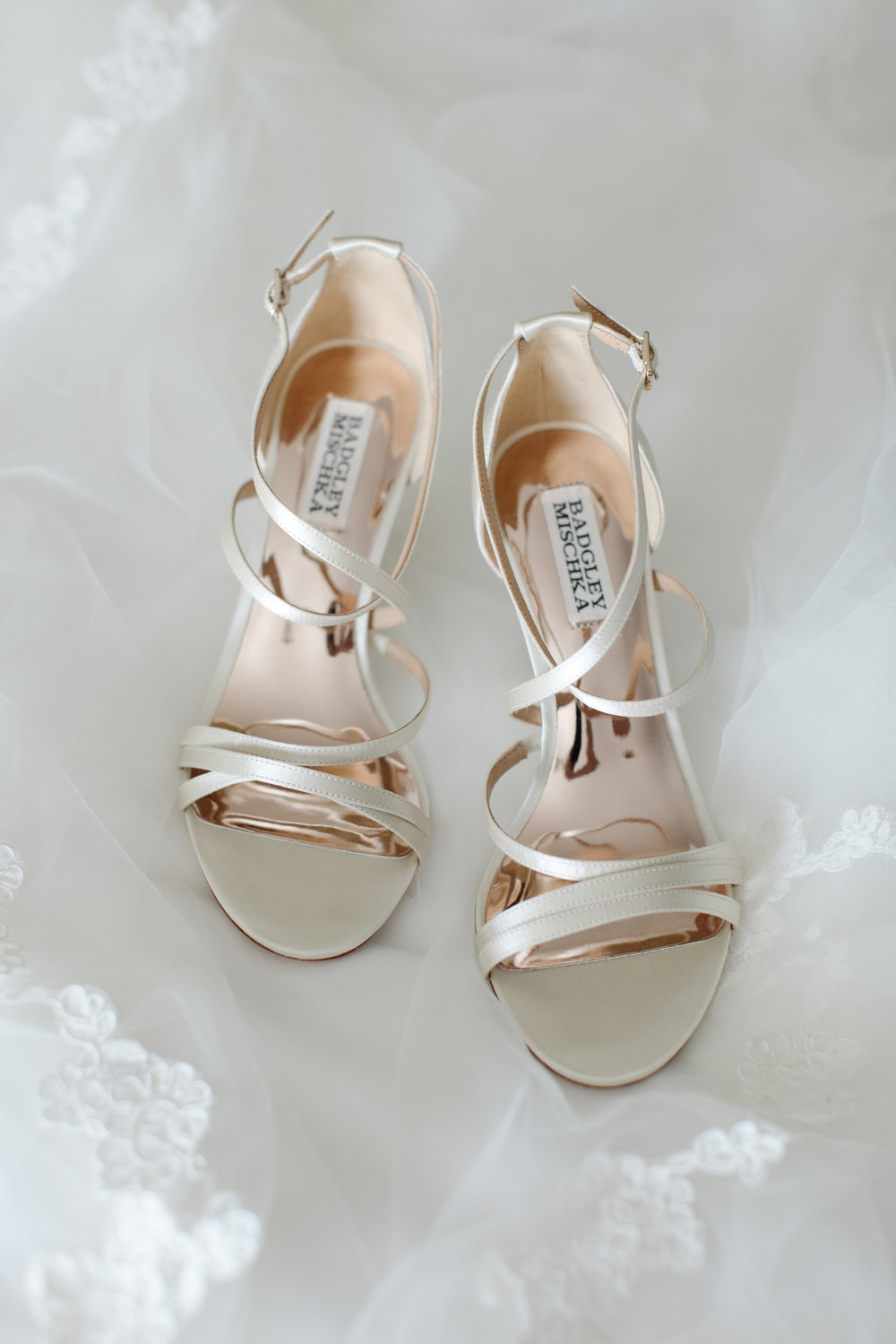 Shoe Details - Dallas, Tx - Fall Wedding - Julian Leaver Events