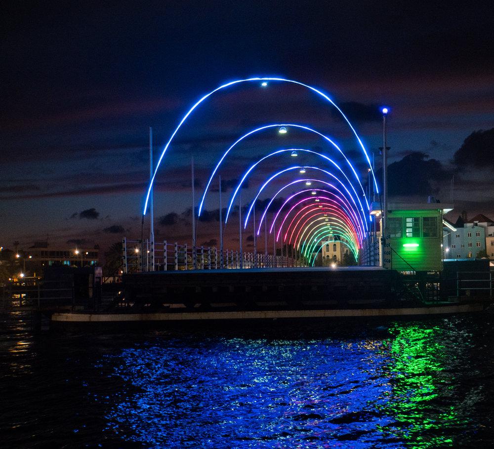 Queen Emma Bridge, Curacao