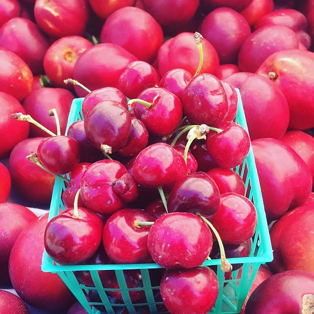 Stone Fruit has arrived - Summertime must be coming! #localfood #farmersmarket #farmfresh #sanramon #bishopranch