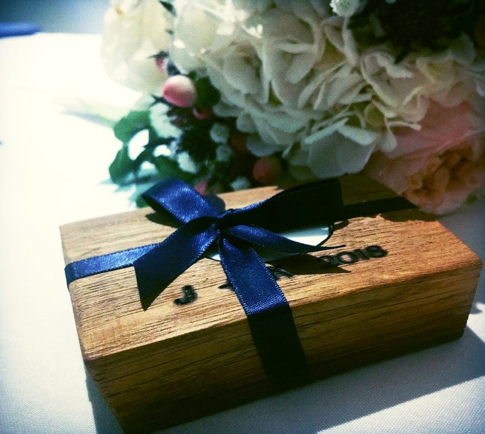 Personalized rustic wedding bomboniere