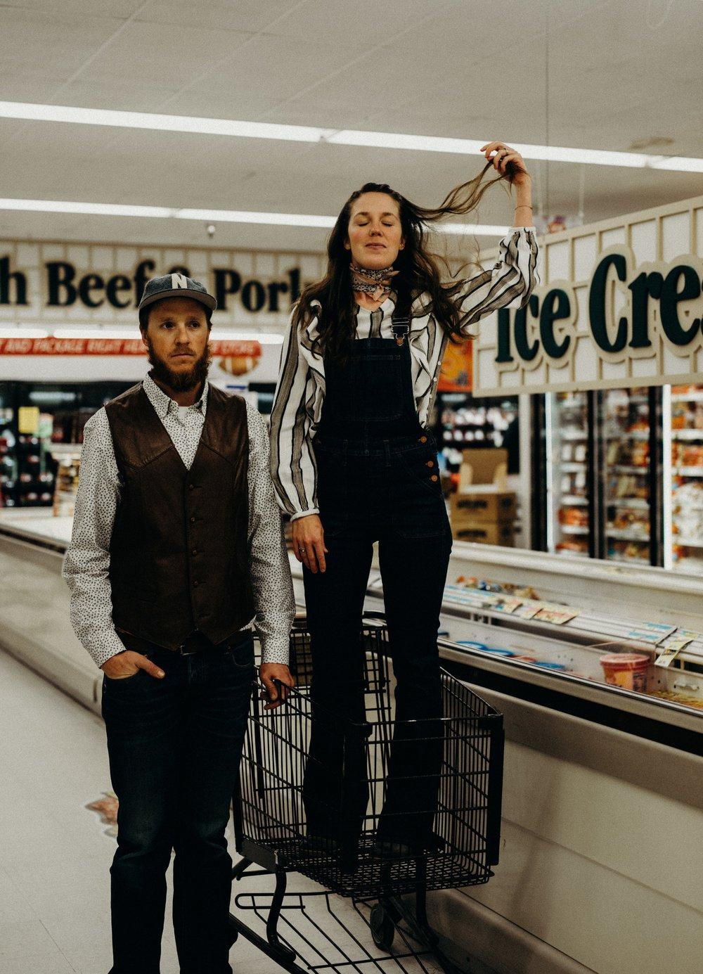 1970s_inspired_editorial_couples_shoot©trinjensen-8.jpg