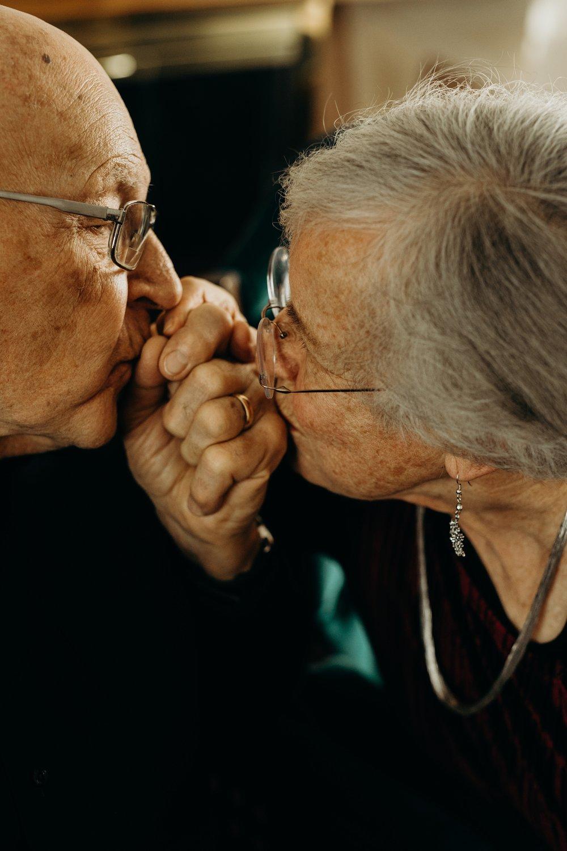 Elderly Couple Photo Session - Aurora Nebraska - Trin Jensen Photography_0012.jpg