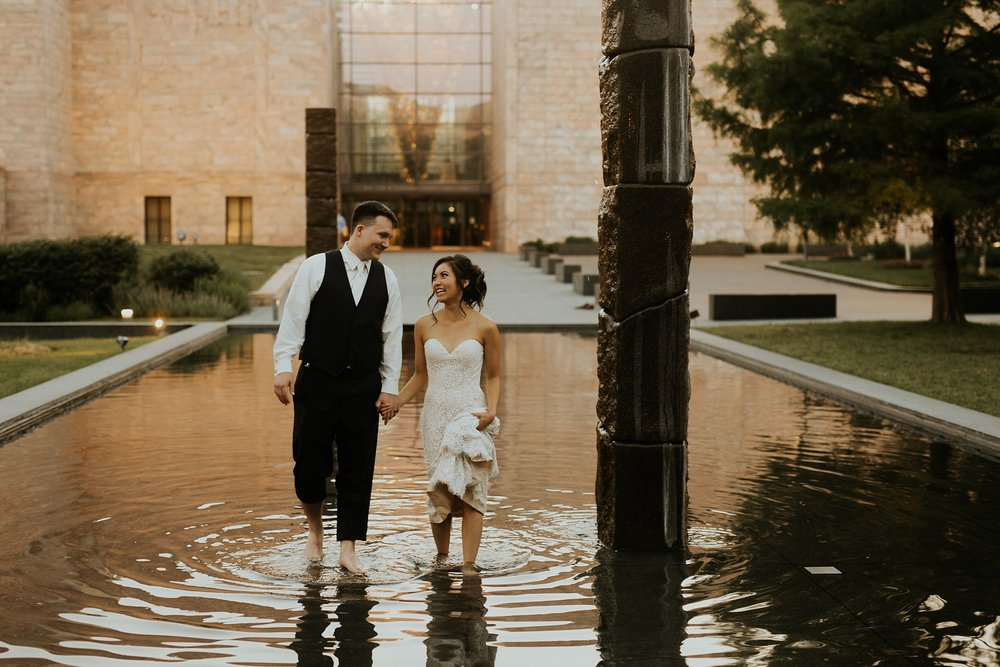 Whimsical Joslyn Art Museum Wedding by Trin Jensen - Omaha Nebraska Wedding Photographer_0025.jpg