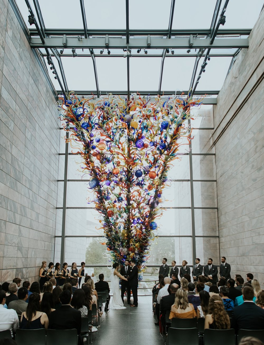 Whimsical Joslyn Art Museum Wedding by Trin Jensen - Omaha Nebraska Wedding Photographer_0015.jpg