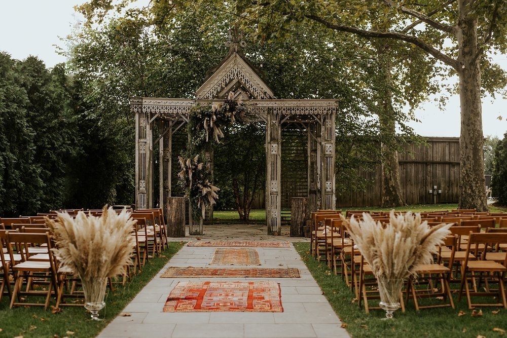 Heartfelt Botanical Terrain at Styers Wedding in Glenn Mills Pennslyvania by Trin Jensen Photography_0025.jpg