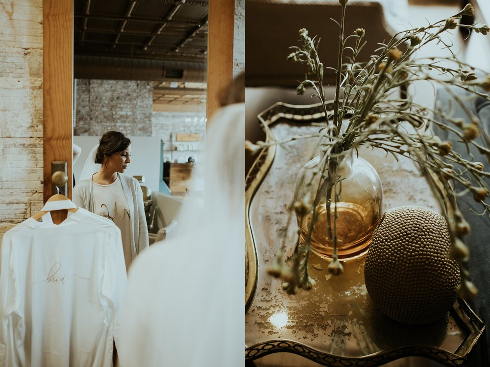 Romantic Lauritzen Gardens Omaha Wedding  - Trin Jensen Photography_0002.jpg