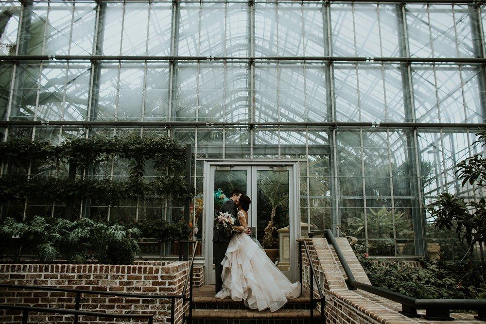 Romantic Lauritzen Gardens Omaha Wedding  - Trin Jensen Photography_0022.jpg