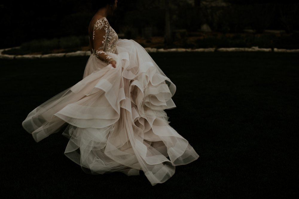 Romantic Lauritzen Gardens Omaha Wedding  - Trin Jensen Photography_0035.jpg