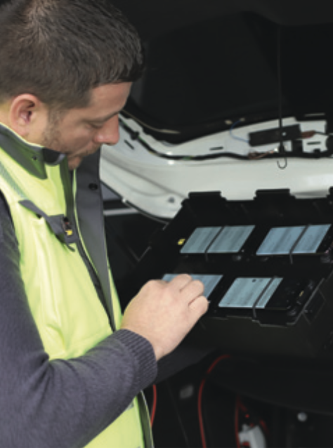 Each drivetest vehicle carried six Samsung Galaxy S8 smartphones.