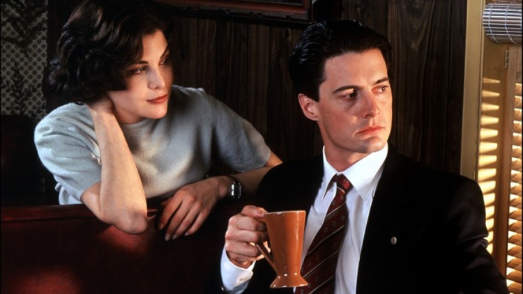 Audrey Horne and Special Agent Dale Cooper in Twin Peaks.