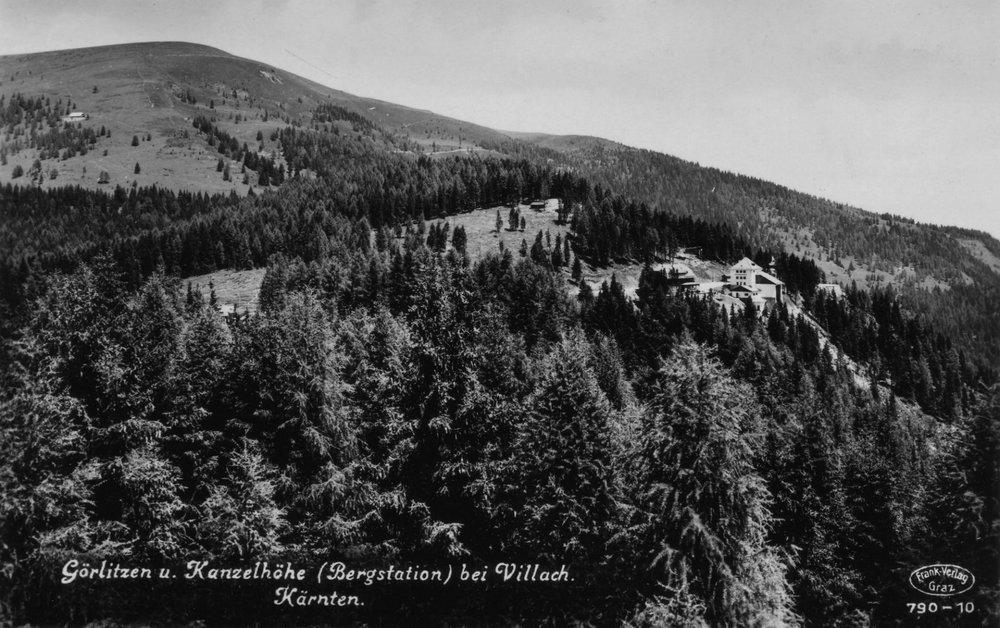 Luftaufnahme der Kanzelhöhe um 1930, unten links die Alpenpension Zaubek