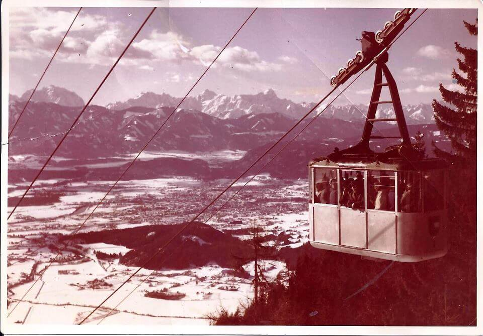 Hier ein Bild der ersten Kanzelbahn. Diese wurde schon 1928 erbaut und gehörte zu den ersten Seilbahnen Österreichs.