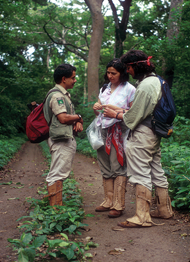 Solis with parataxonomists in Guanacaste Conservation Area, Costa Rica, 1990.