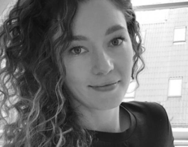 DEANNA MACDONALD Blockchain and New Ways of Collaboration
