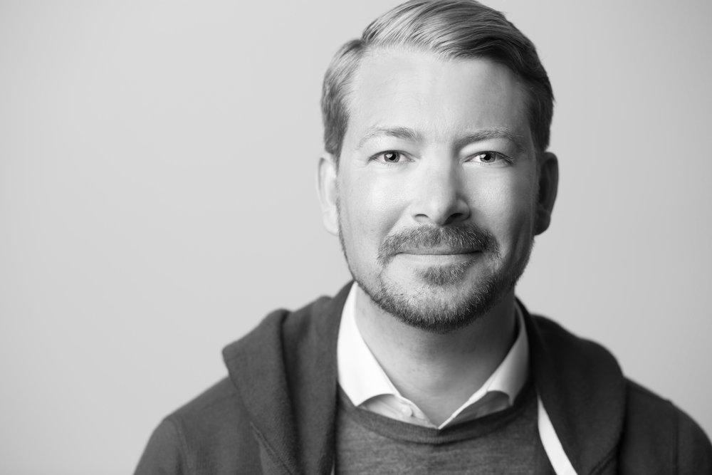ERICK THüRMER Digital Production and Business Transformation