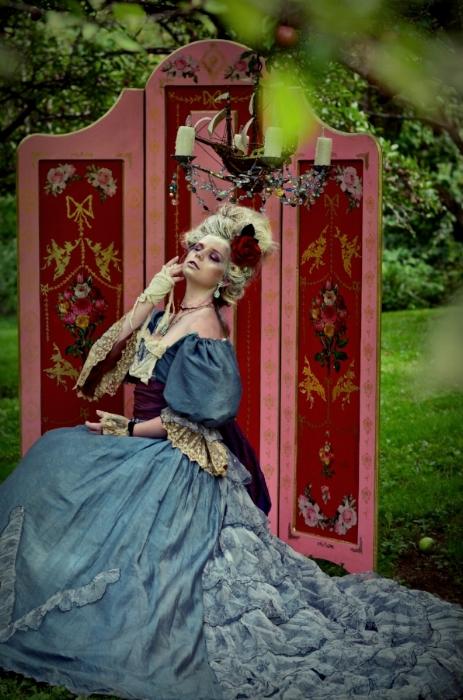 Marie Antoinette by Chloe Barcelou