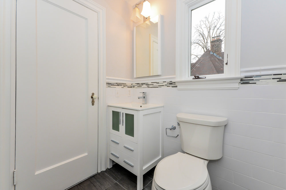 Hillside Bathroom 5.jpg