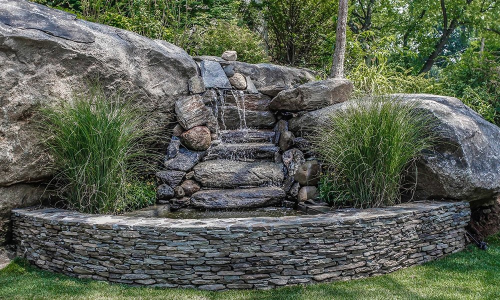 8 Highland 21 Waterfsll wirth stone wall.jpg