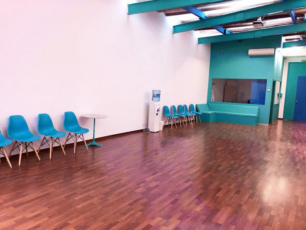 foundery lounge 5.jpg