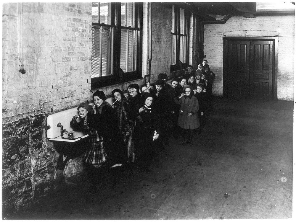 1-T   Tooth brush drill at Franklin School, Chicago, ca_ 1910 PD.jpg