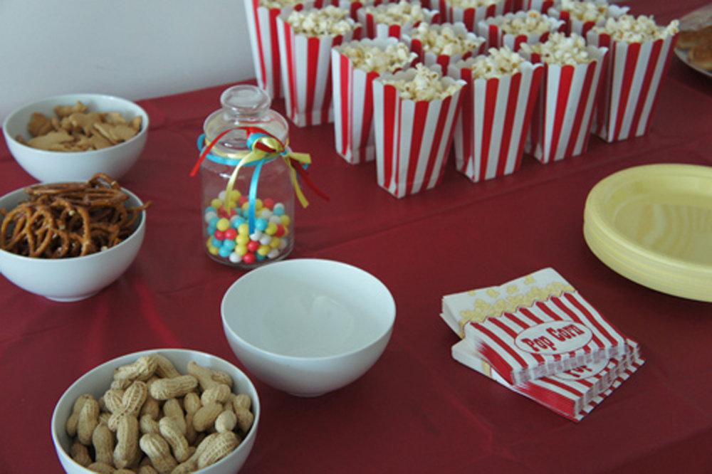 circus birthday and peanuts and popcorn.JPG