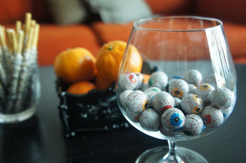 chocolate halloween eyeballs.JPG
