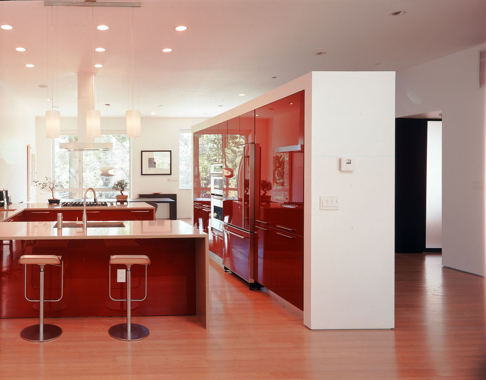 high lacquer kitchen.jpg