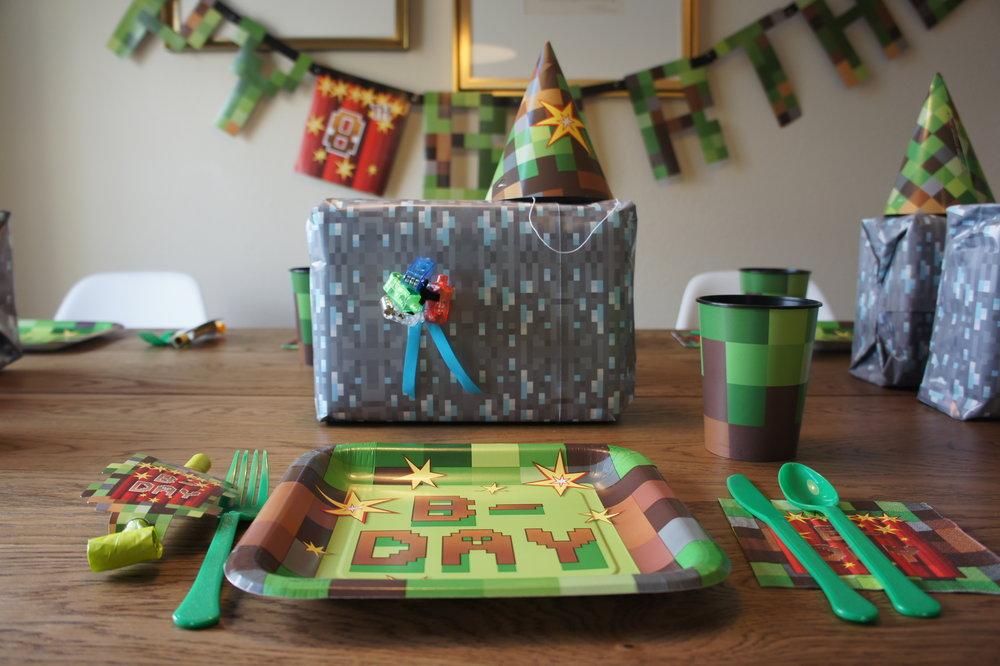 minecraft birthday giftbag.jpg