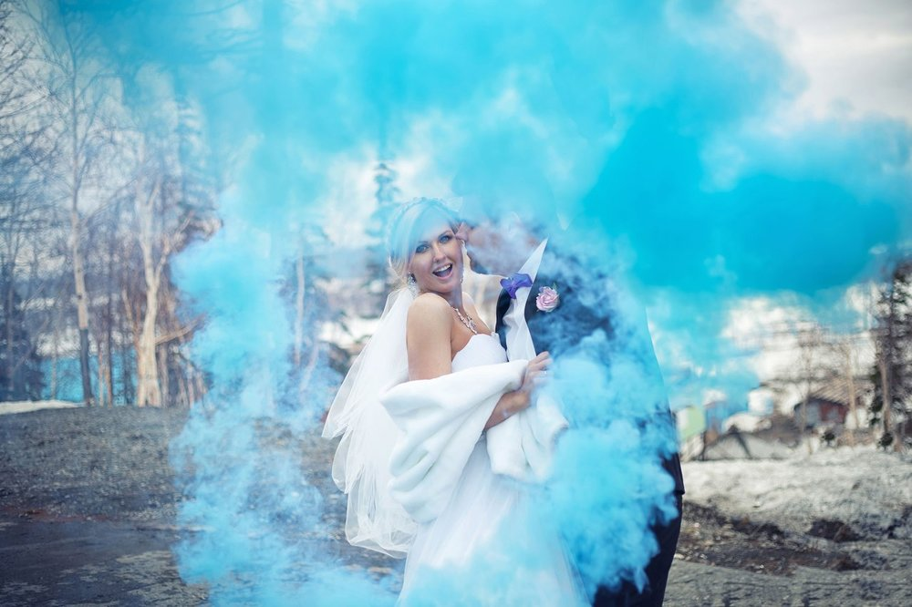 Norilsk people - Pretty couple in love with blue smoke