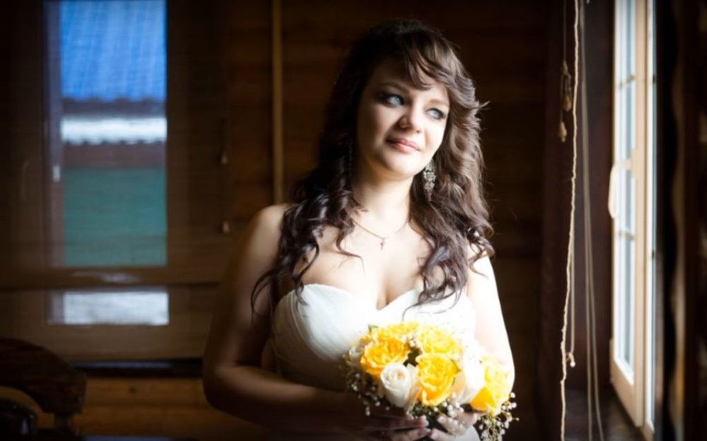 Norilsk Russia - Russian bride with flowers