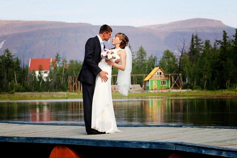 Norilsk Russia - Russian couple posing in a lake