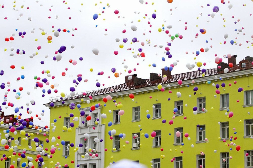Norilsk Russia: I Want to Fly Freely as a Balloon