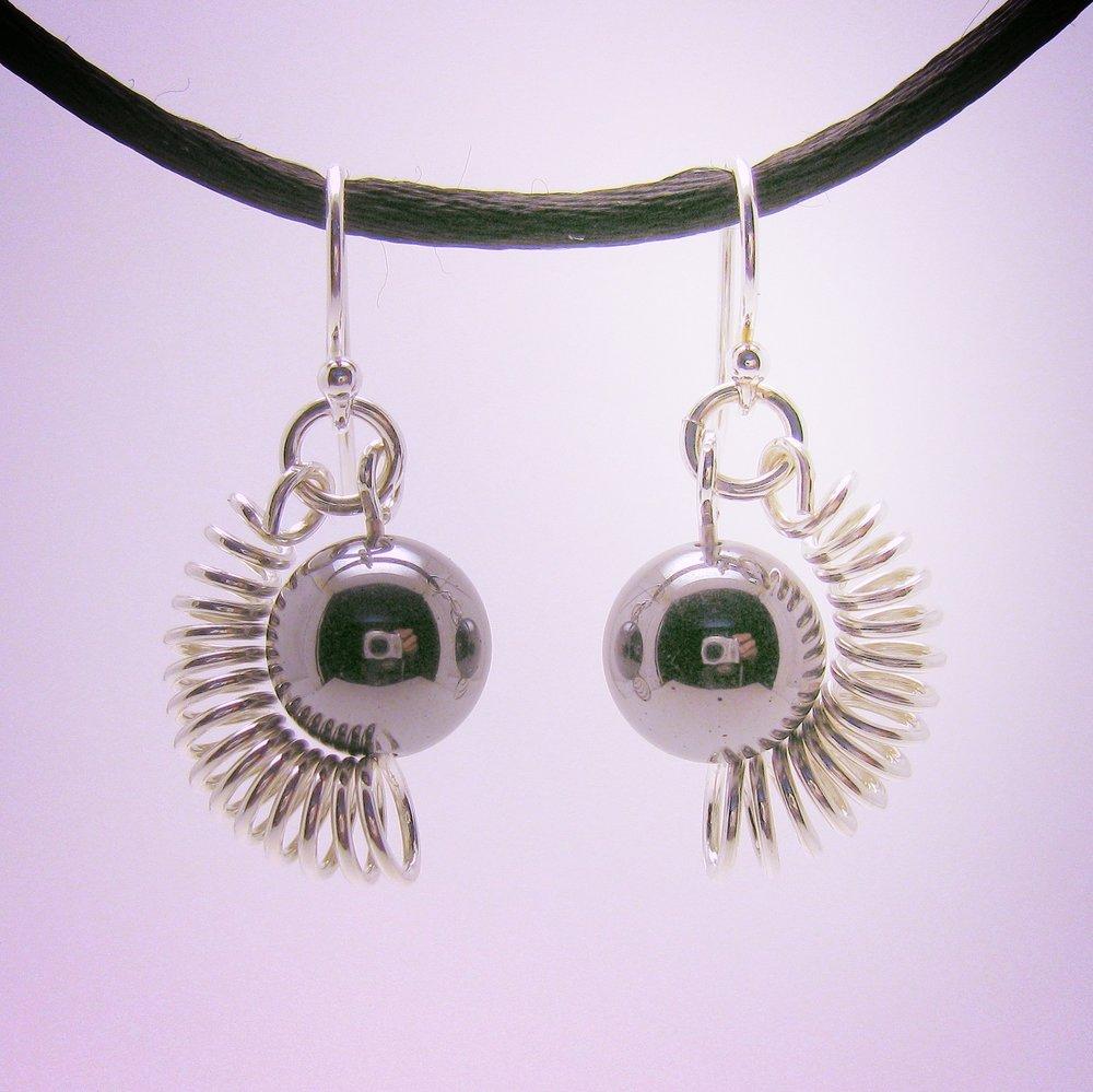Encapsulated Bead Earrings Small Hematite ER1090 59.jpg