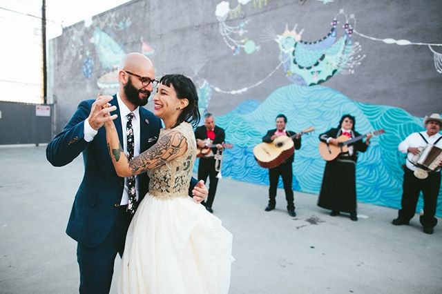 We loved being month-of coordinators for this rockin' DIY Chicanx pop punk wedding last year @theuniquespace, which was just featured in @apracticalwedding! 📸 by @lindaabbott.la. Link in bio.